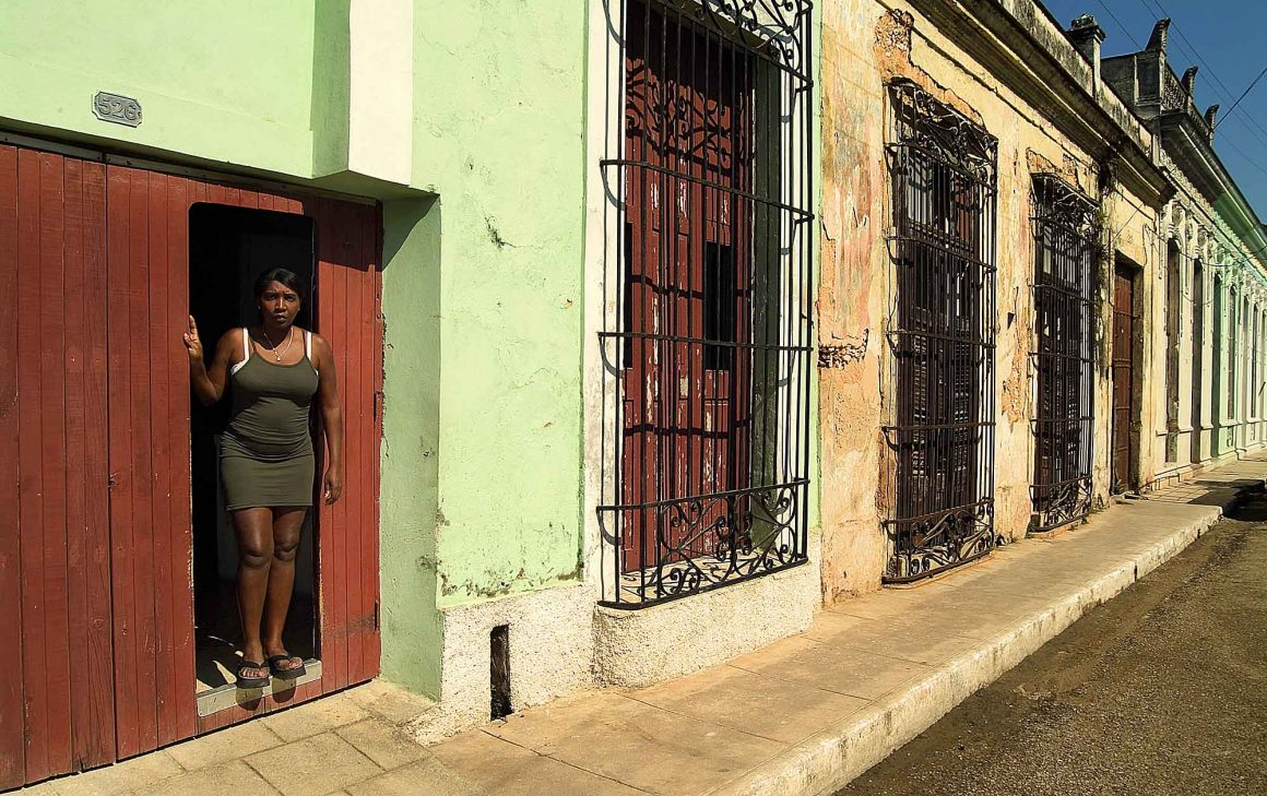 Woman in Cardenas: faces de Cuba