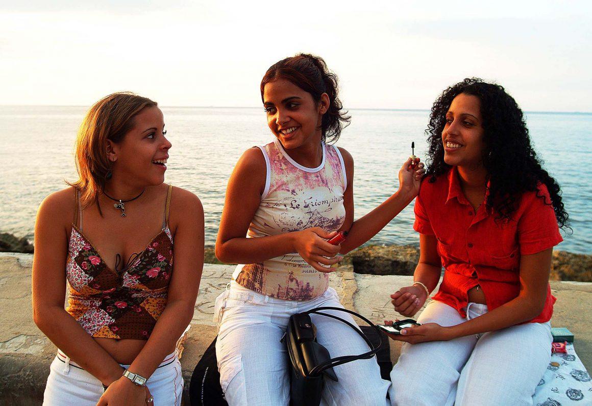 White trousers in Havana: White trousers in Havana