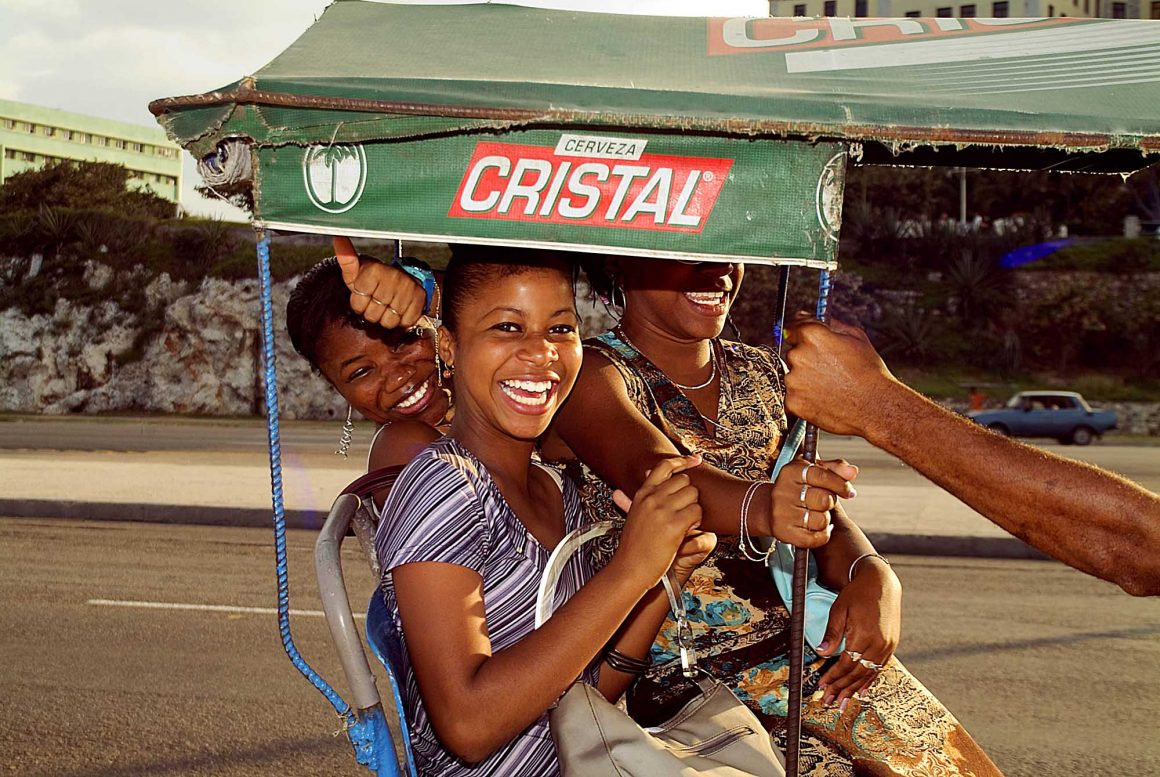 Girls in havana: wedding: As faces de Cuba